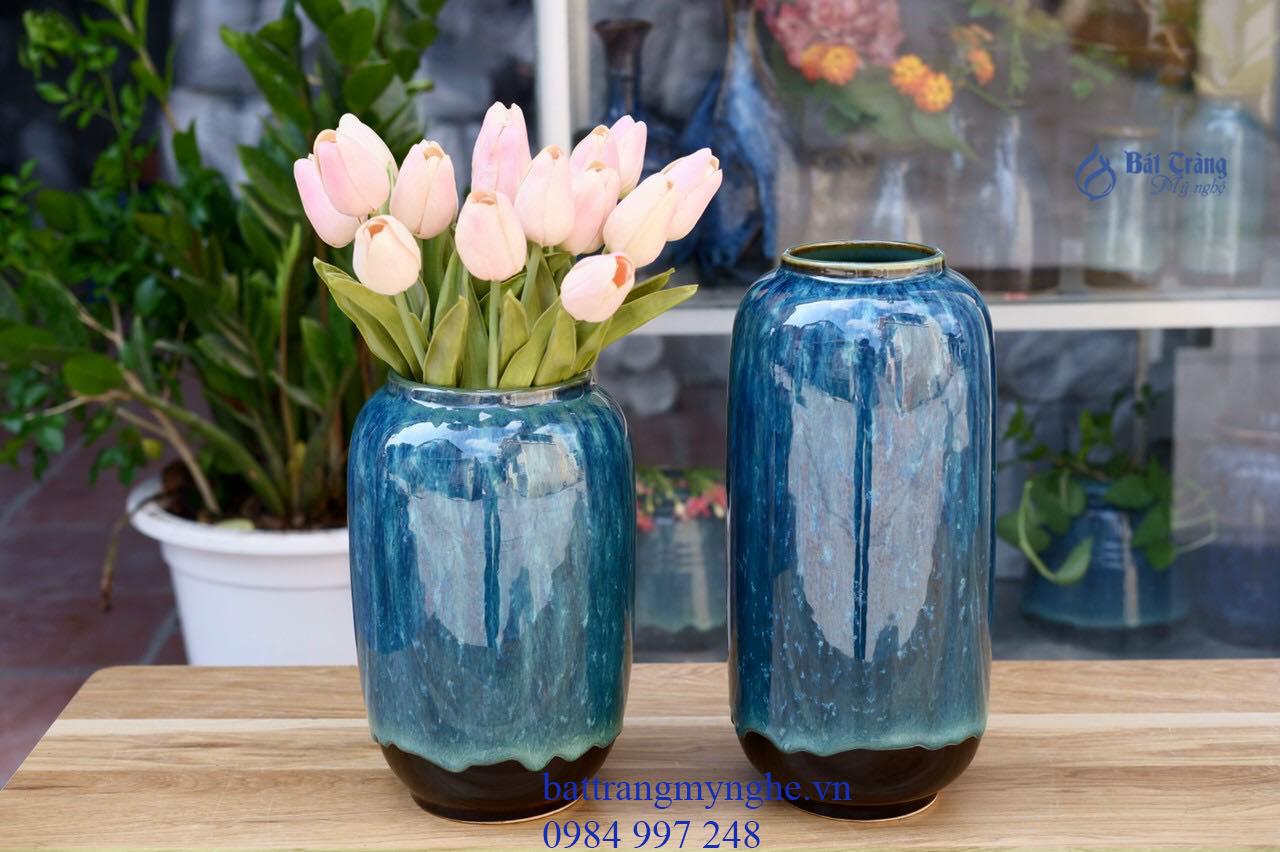 Bộ đôi lọ hoa anh em men xanh để bàn làm việc