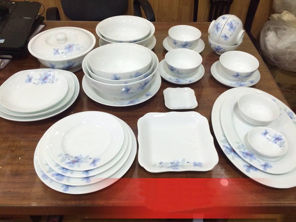 Bộ đồ ăn trắng cao cấp vẽ hoa xanh tinh tế và nhẹ nhàng