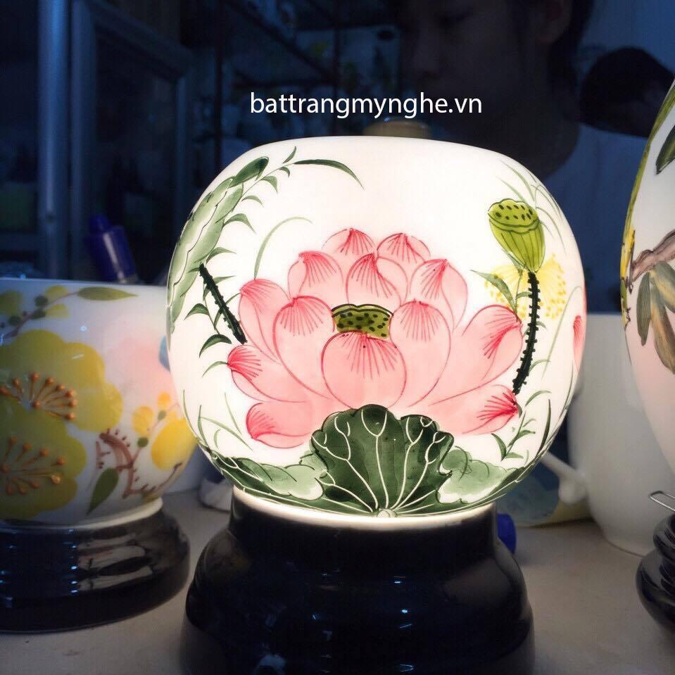 Đèn Xông Tinh Dầu Sứ Thấu Quang vẽ hoa sen