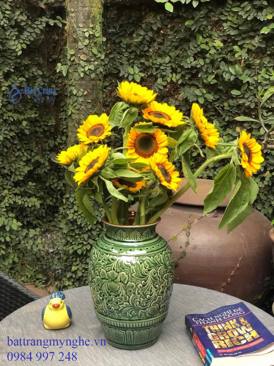Lọ hoa vẽ tay men xanh cổ