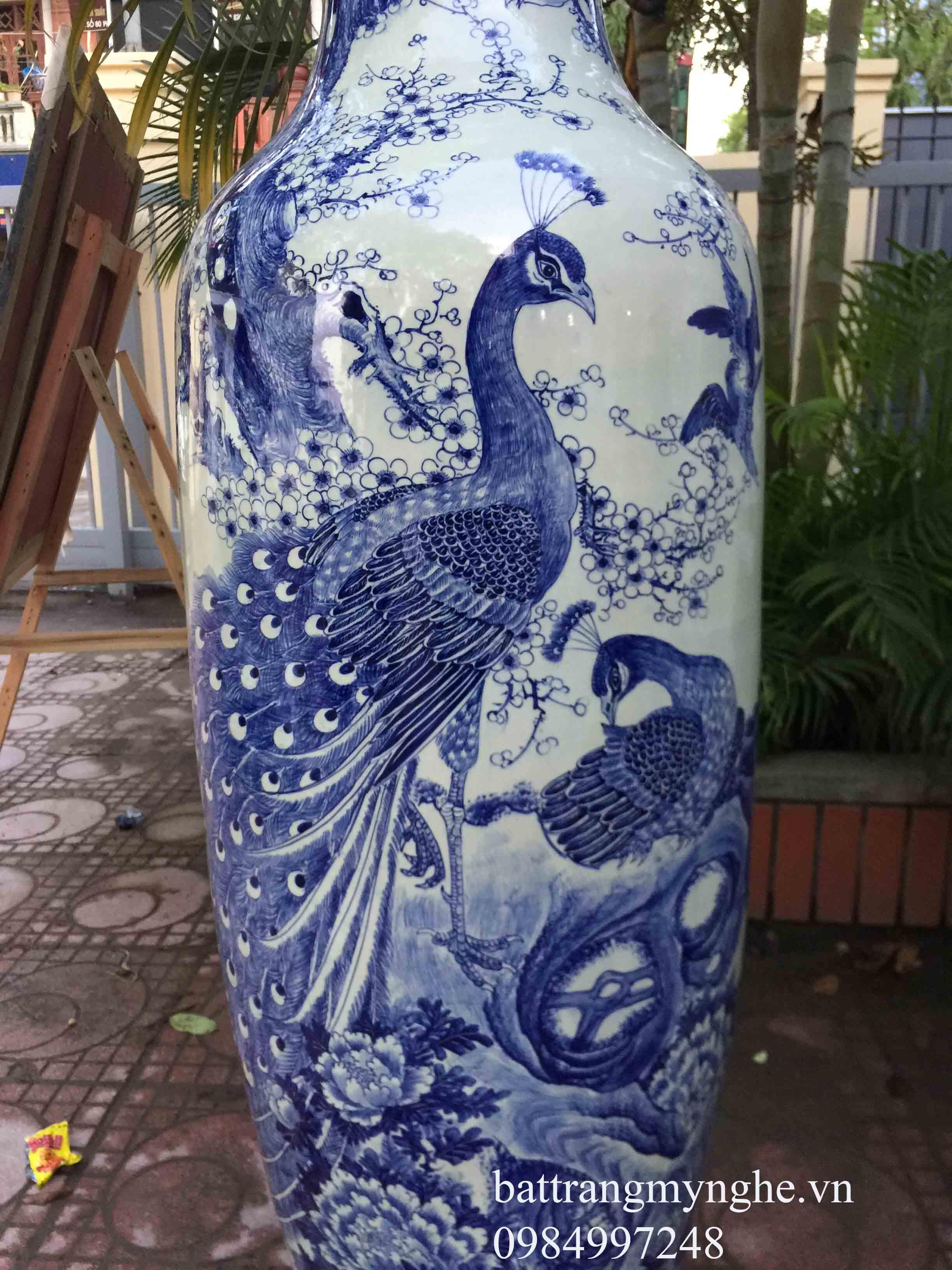 Lọ lộc bình chim công - men lam - cao 1.85m vẽ tay cao cấp