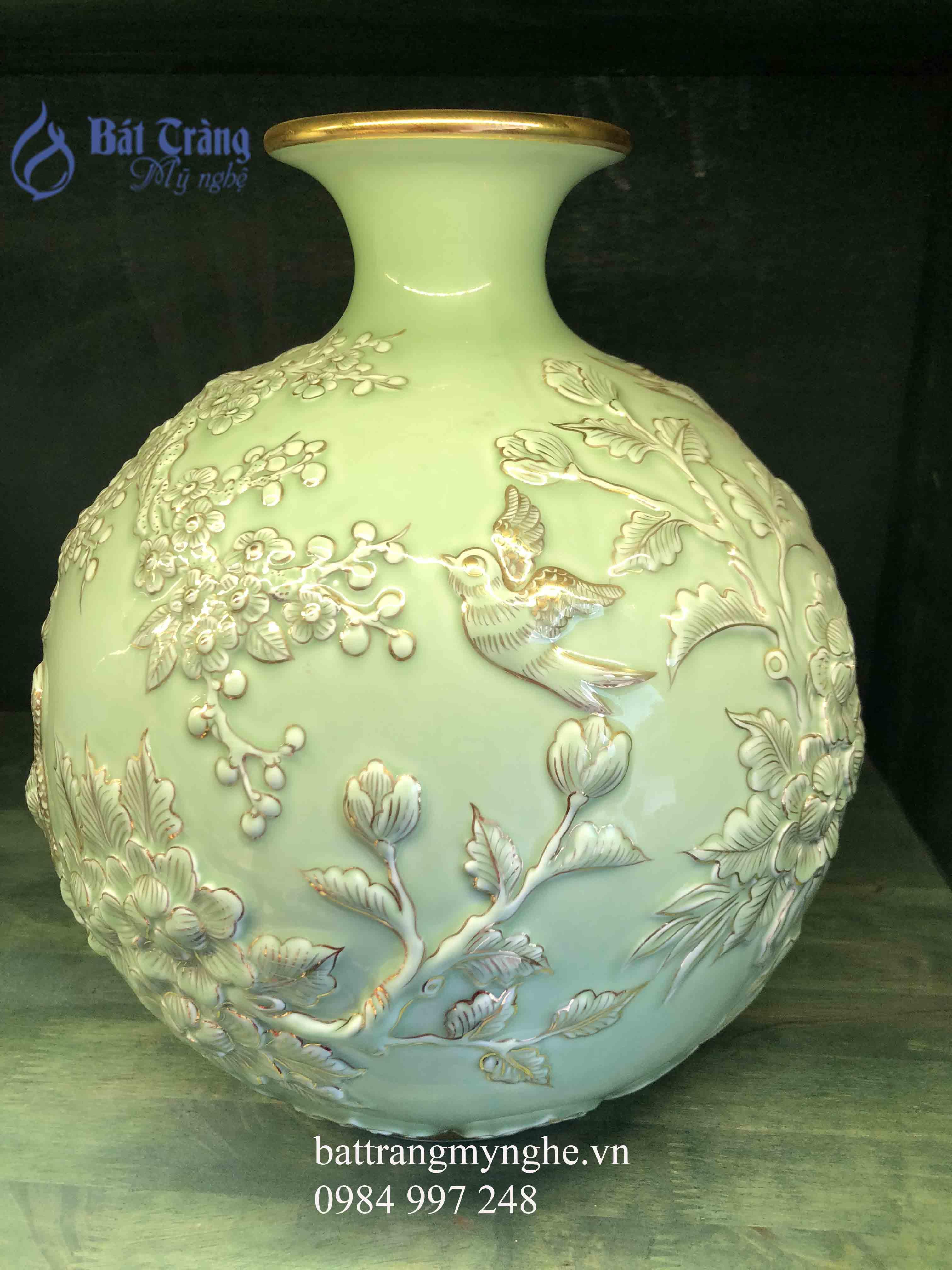 Bình hút tài lộc đắp nổi công hoa cao 40cm men xanh