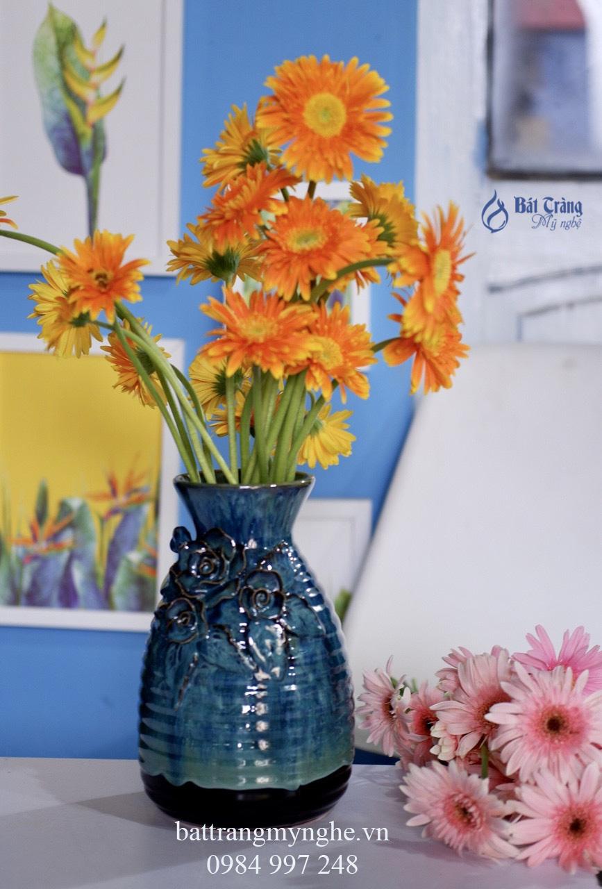 Bộ ba lọ hoa đắp nổi men xanh