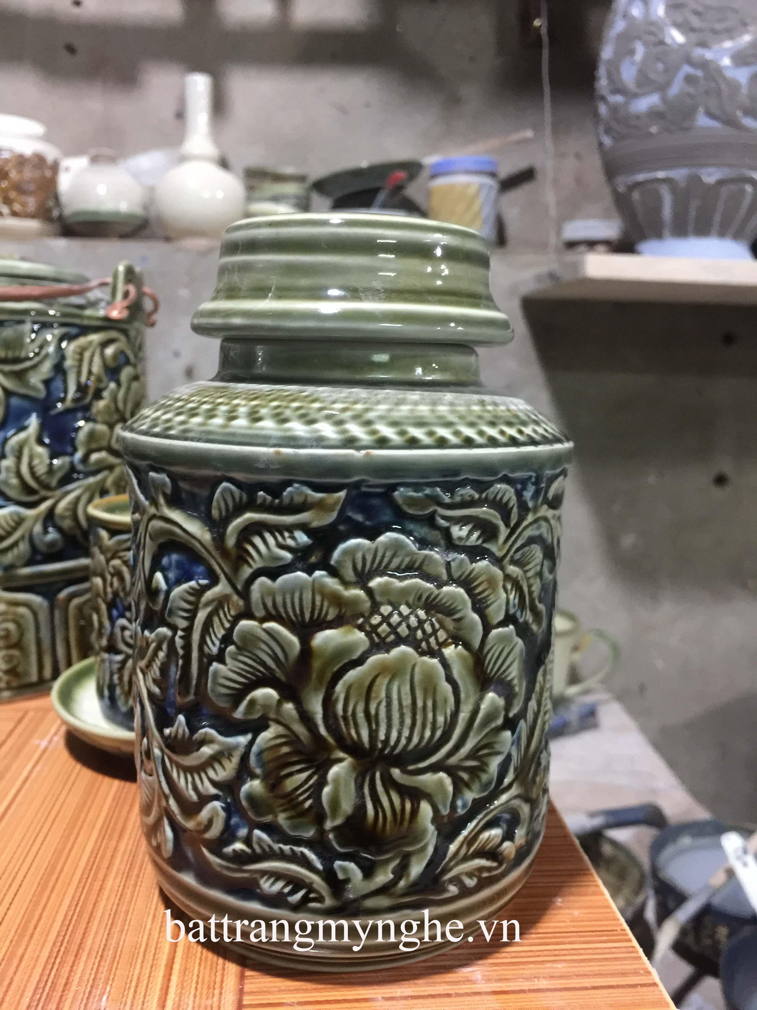Bộ ấm tích khắc nổi hoa phù dung xanh - 1,25 lít kèm phụ kiện