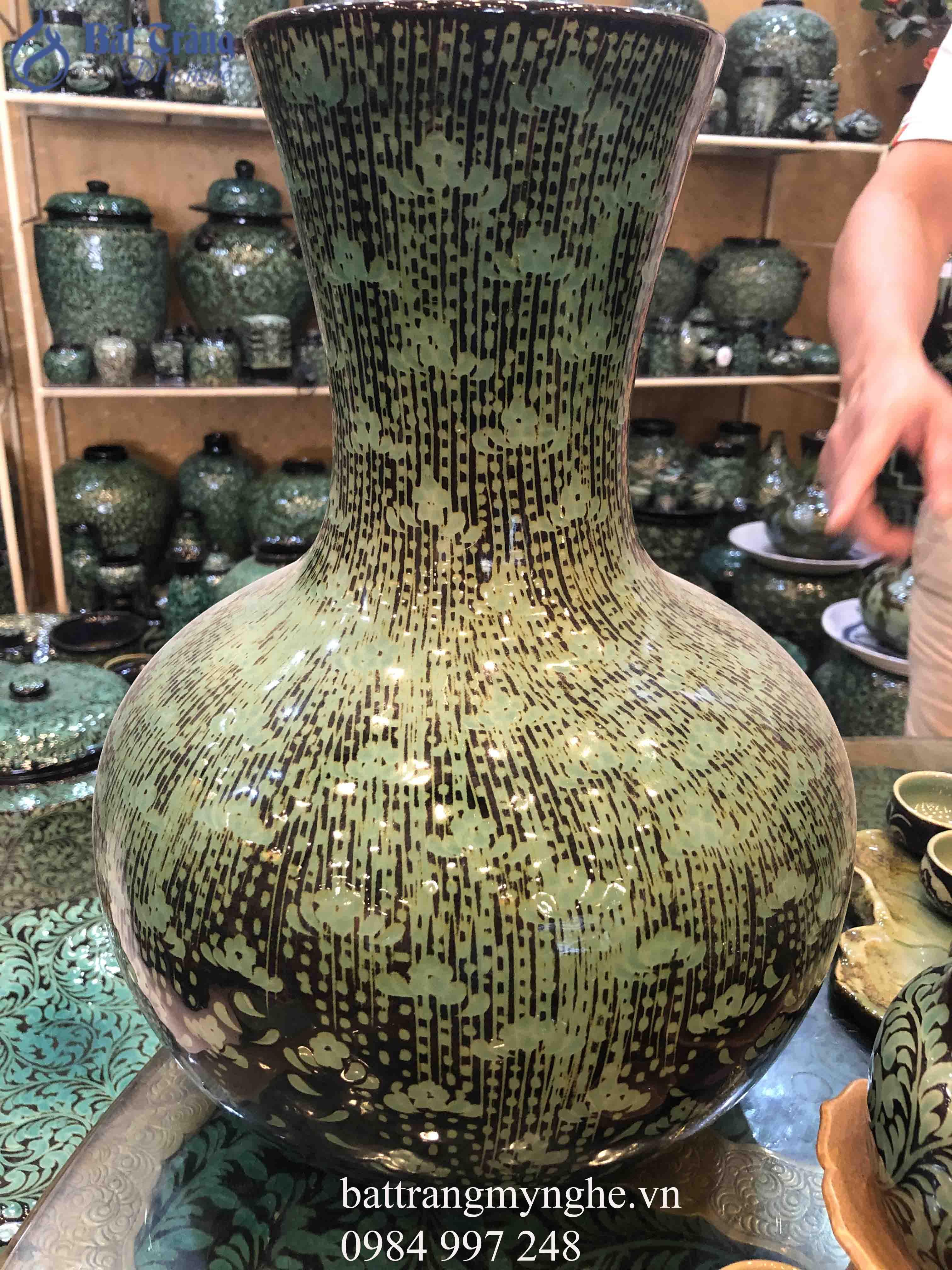 Lọ hoa khắc hoa men xanh ngọc cao 45cm