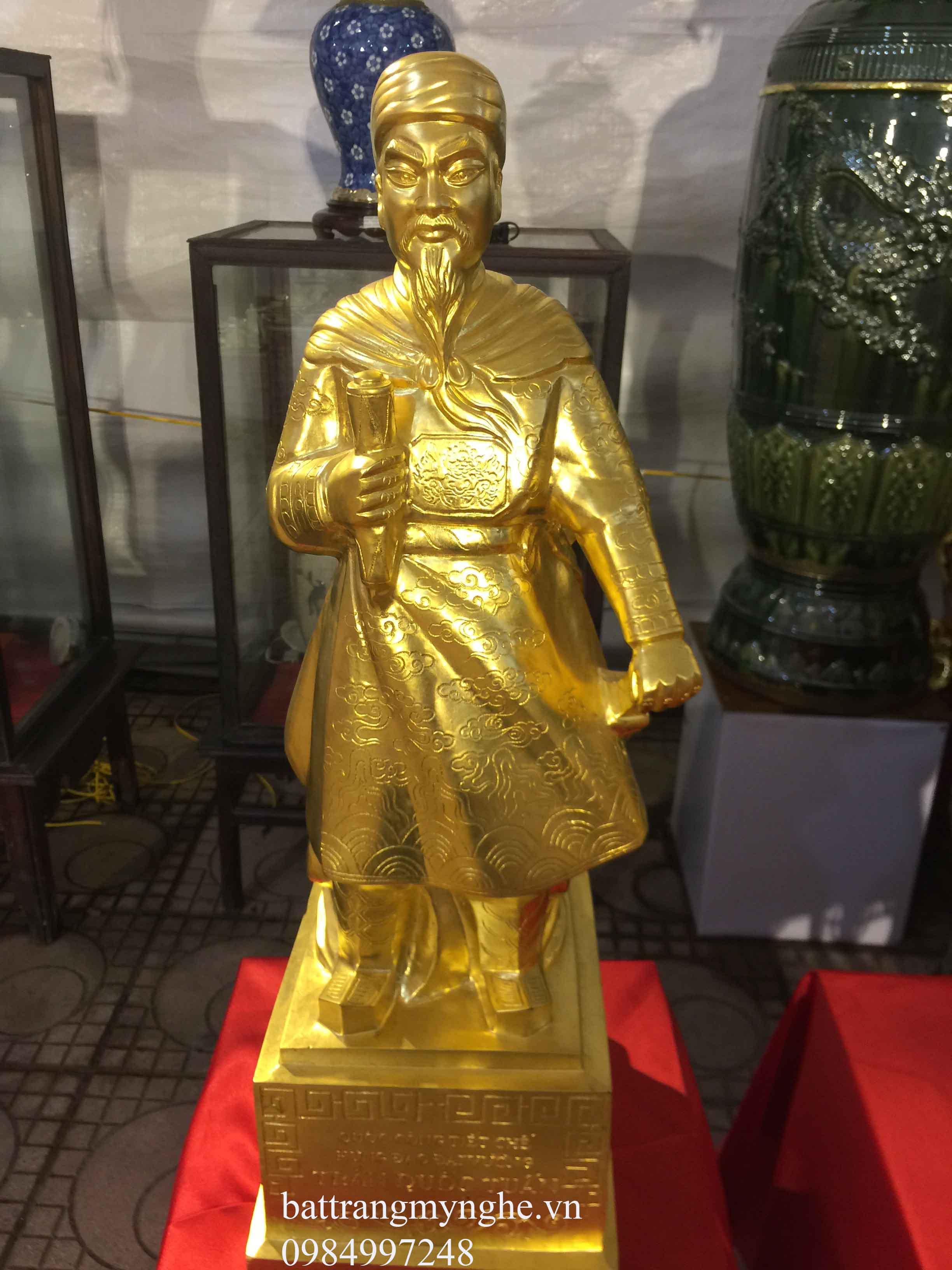 Tượng Trần Quốc Tuấn dát vàng cao 86cm