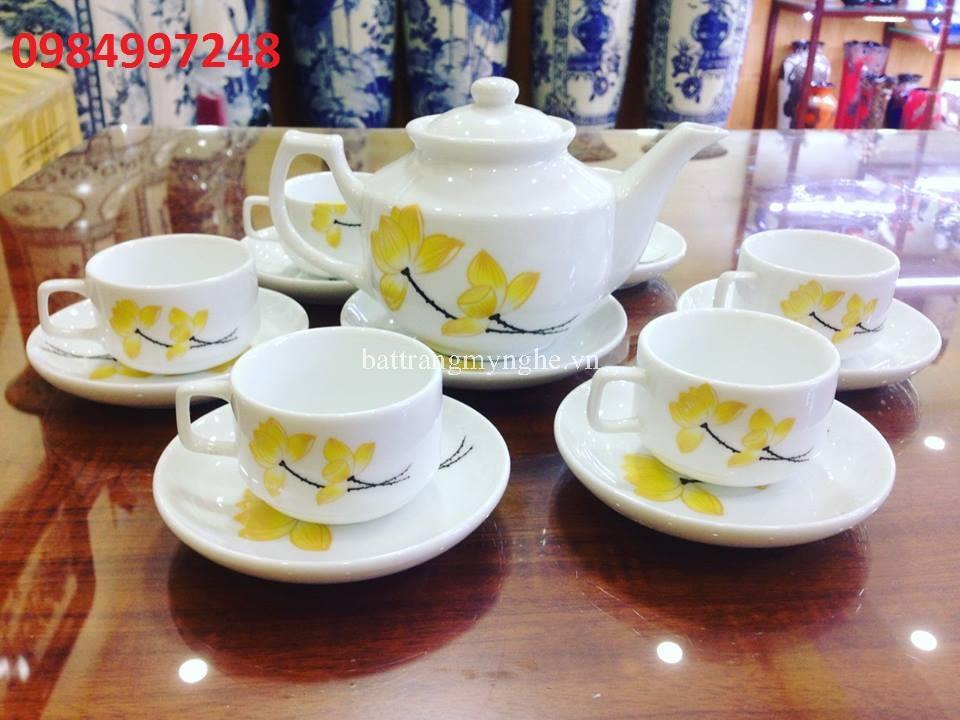 Bộ ấm trà hoa sen vàng