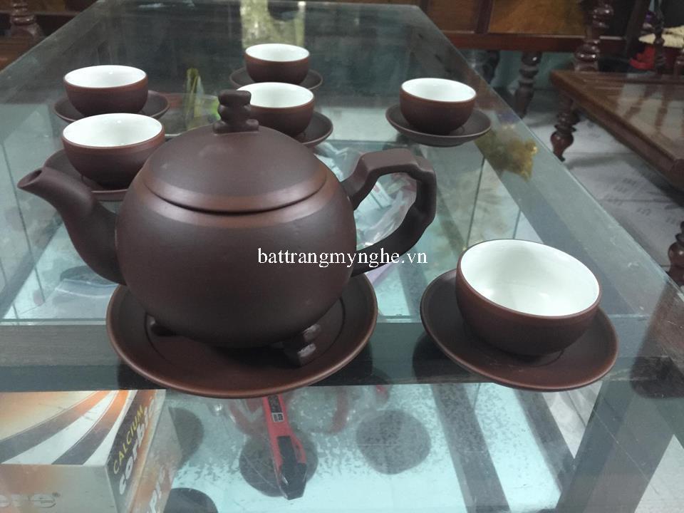 Bộ trà gốm chỉ đỏ ba chân lòng trắng