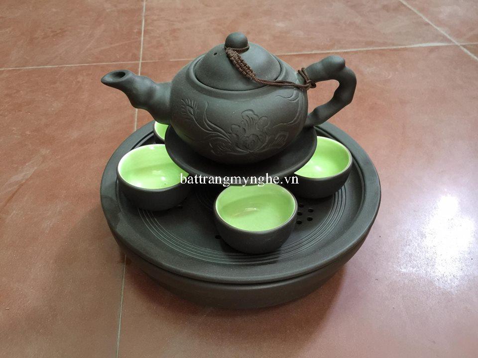 Bộ trà men đen, khắc hoa bằng tay, lòng xanh