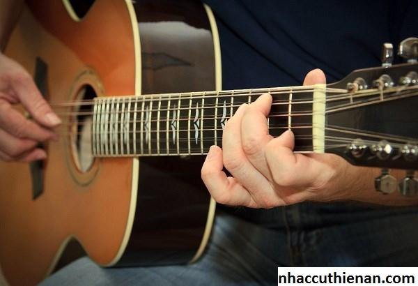 Kết quả hình ảnh cho kiểm tra thùng đàn guitar