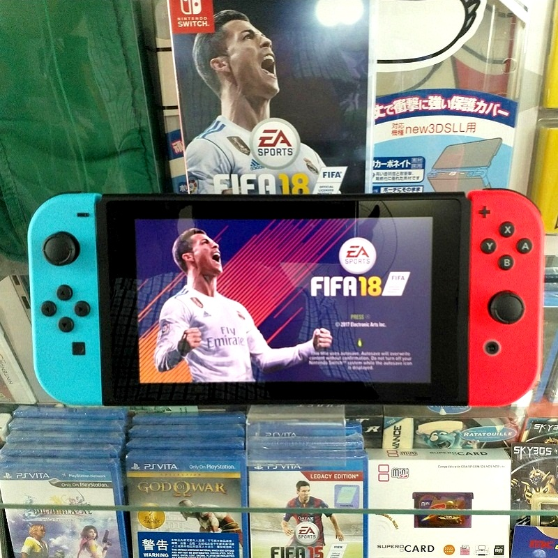 Nintendo Switch Neon Blue Red Joy‑Con ( 2nd hand )---HẾT HÀNG