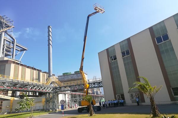 Xe nâng người MH thi công công trình nhà máy Tenma, KCN Quế Võ, Bắc Ninh