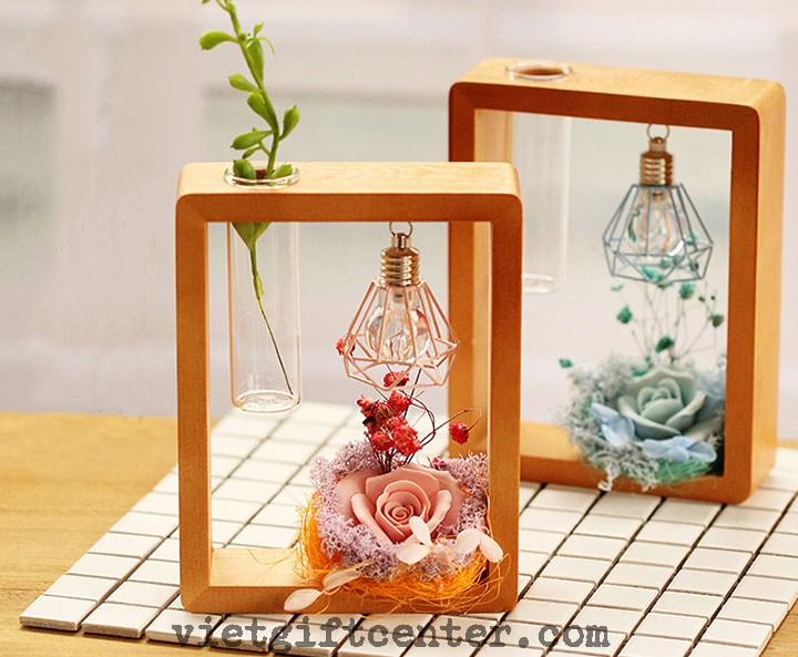 Khung trang trí bàn hoa hồng