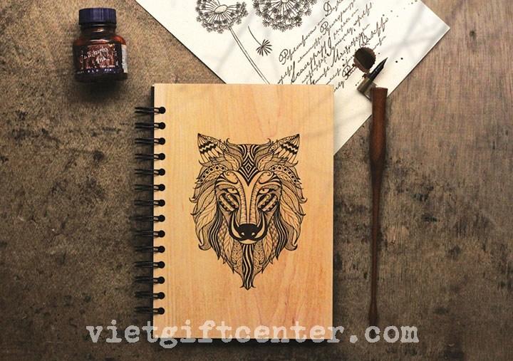 sổ tay bìa gỗ khắc con sói
