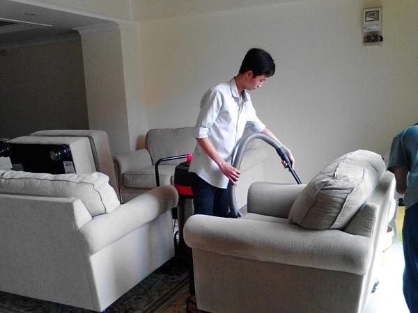 Vệ sinh nệm Quận 12: Giặt nệm cao su tại nhà, vệ sinh ghế sofa các loại giá rẻ tại Quận 12 Sài Gòn - Dịch vụ vệ sinh Thiên Kiều