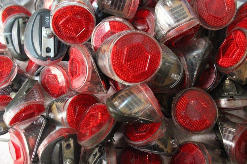Đèn hậu tự sáng Japan  - tình trạng hoạt động tốt