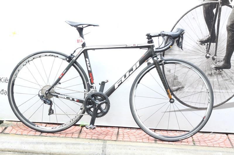 Xe đạp đua roading Nhât bãi CARBON  FUJI SL1 ĐẾN TỪ JAPAN
