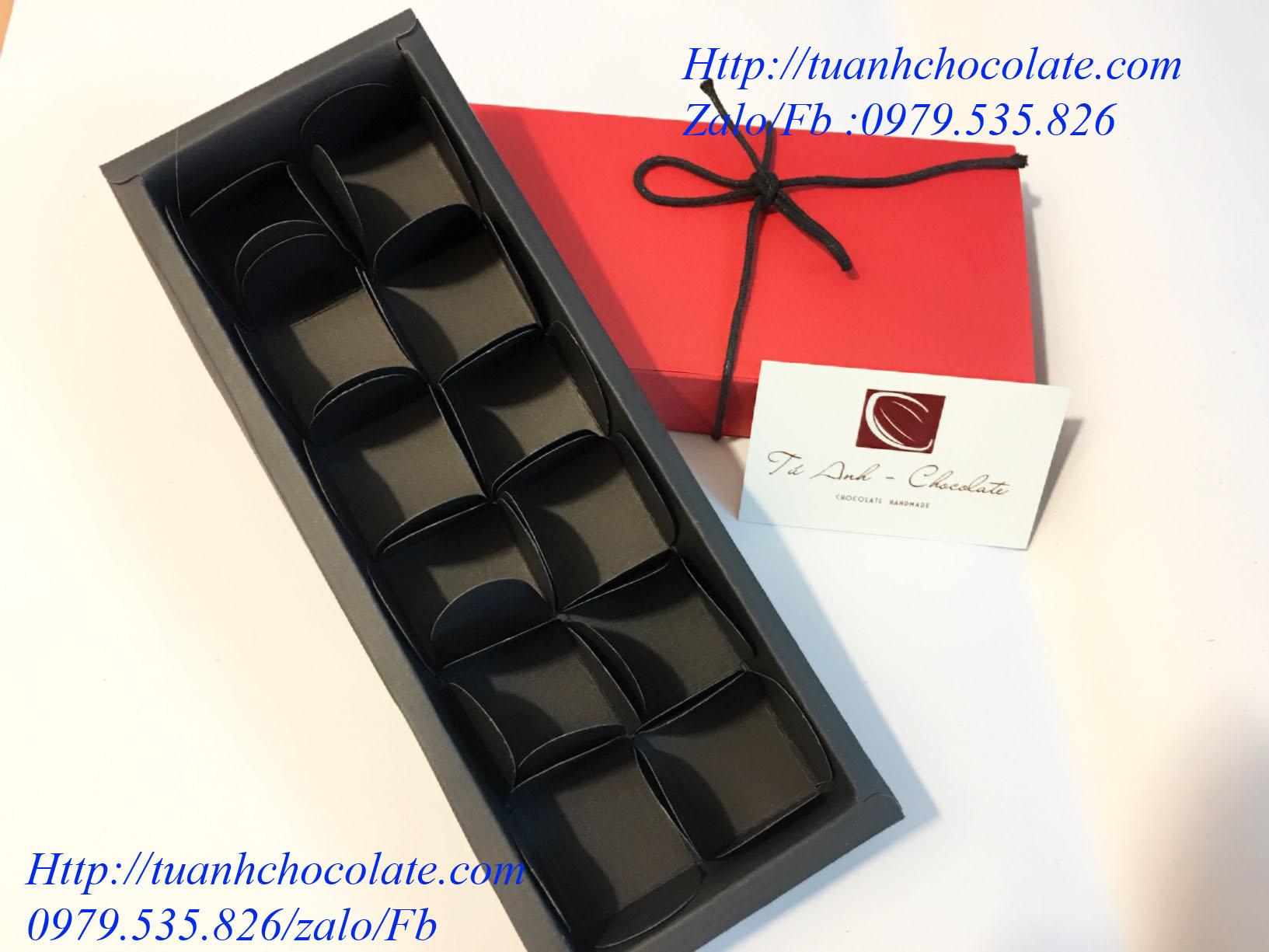 NHC14 - Hộp đựng socola hình chữ nhật 14 ngăn đỏ sang trọng