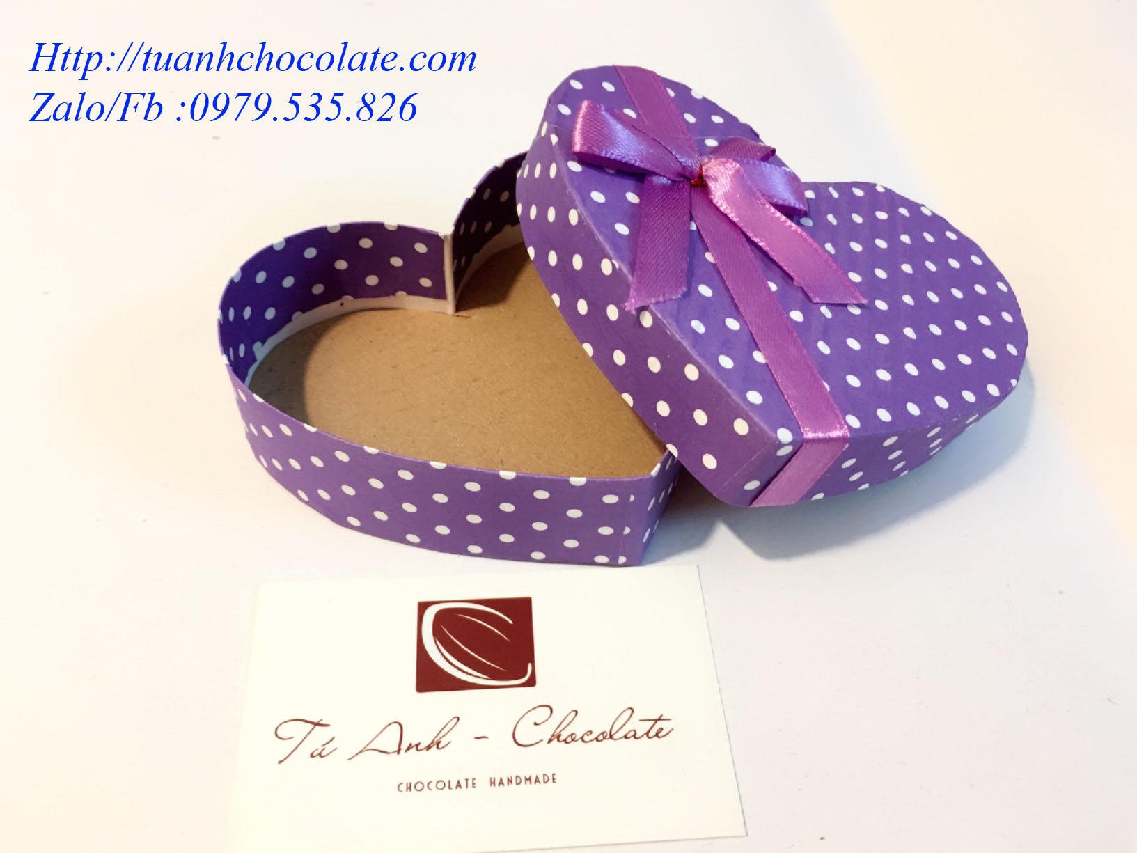 HT1 - Vỏ hộp đựng socola hình tim giá rẻ