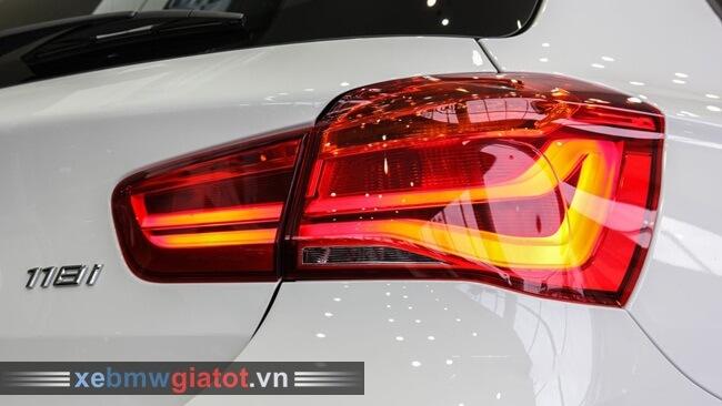 đèn hậu xe BMW 118i hatchback