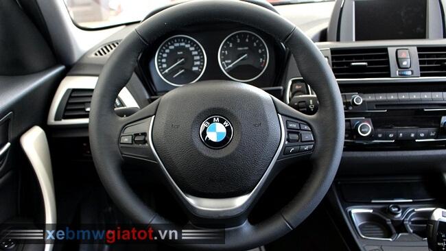 vô lăng xe BMW 118i hatchback