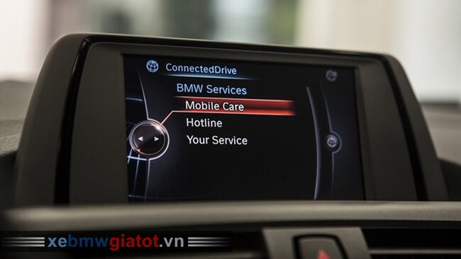 màn hình giải trí xe BMW 118i hatchback 2017