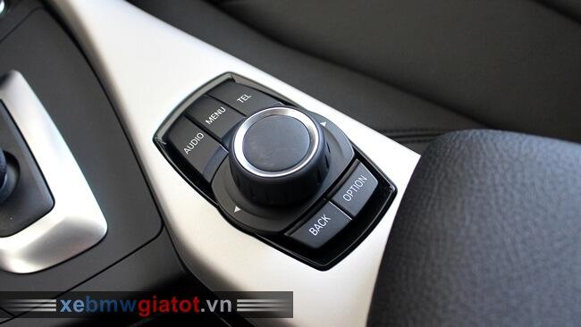 cụm phím điều khiển iDrive xe BMW 118i hatchback