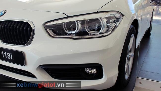 đèn pha xe BMW 118i hatchback mới
