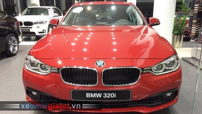 đầu xe BMW 320i mới