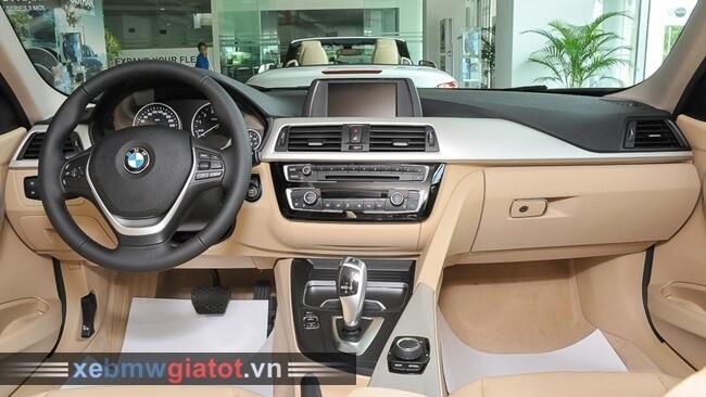 nội thất xe BMW 320i