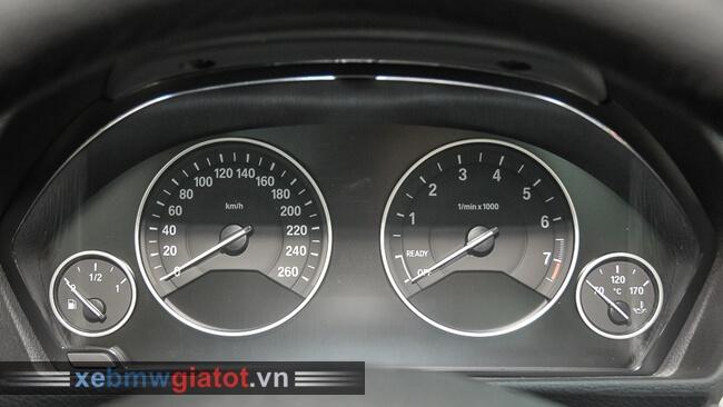 đồng hồ trung tâm xe BMW 320i