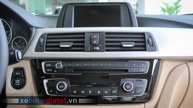 bảng điều khiển trung tâm xe BMW 320i