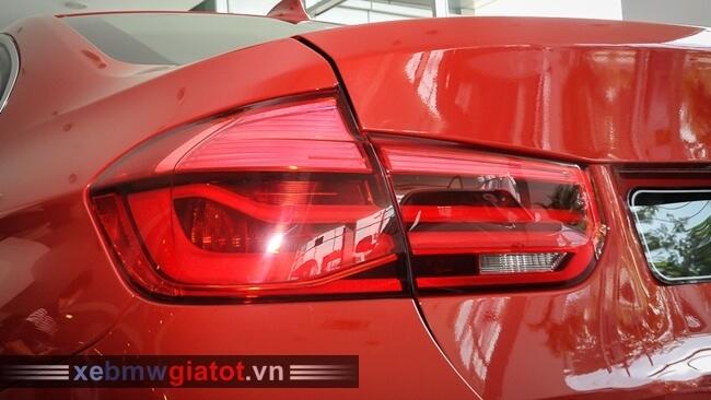 đèn hậu xe BMW 320i