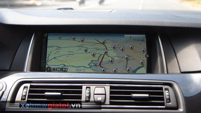 màn hình HD độ phân giải cao BMW 520i