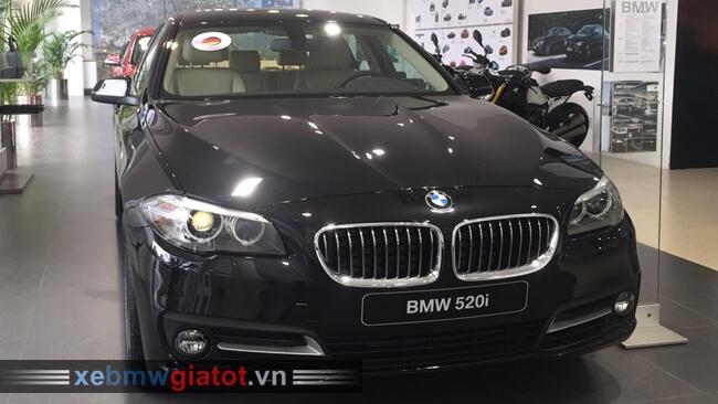 Xe BMW 520i màu đen Sapphire.