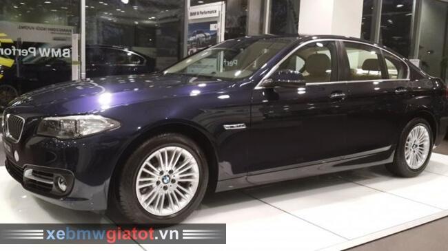 Xe BMW 520i màu xanh dương Imperial.