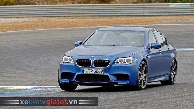 vận hành xe BMW M5 2017 mới