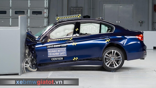 BMW 3 Series 2017 an toàn cao hơn