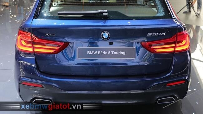Đuôi sau xe BMW 5 Series Touring 2017