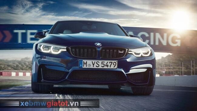 BMW M3 2018 trên đường đua