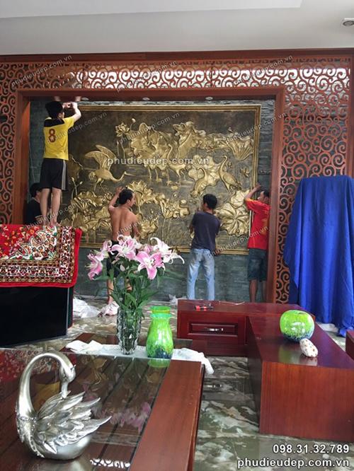 treo tranh phù điêu sen hạc tại Quảng Ninh