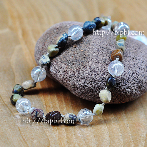 NE001 - Handmade gemstone necklace