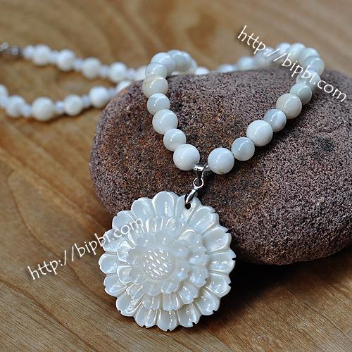 NE003 - Handmade gemstone necklace