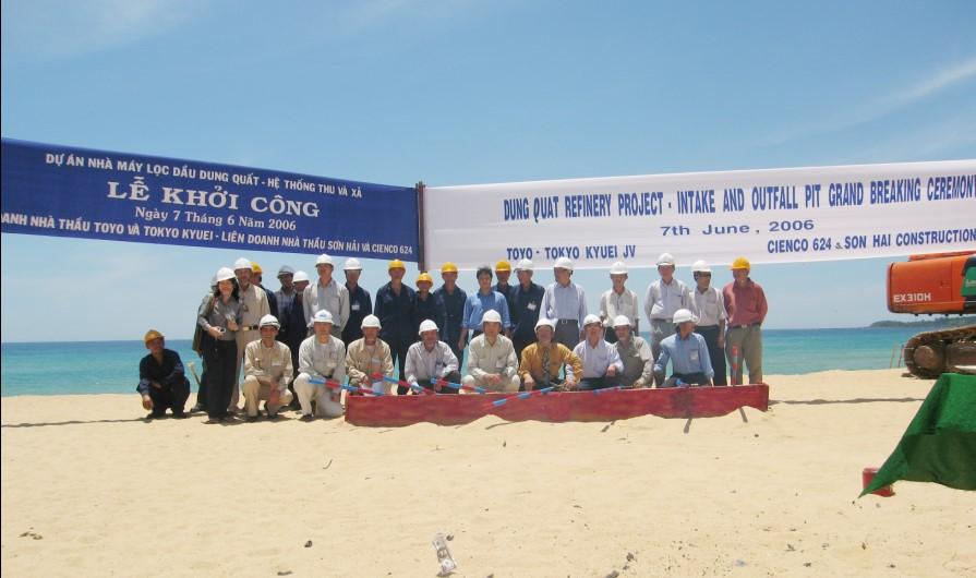 Xây dựng bể thu và xả nước biển nhà máy lọc dầu Dung Quất