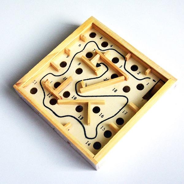 Trò chơi Board Game BG47 Giải đố mê cung Mini (Wooden Labyrinth)