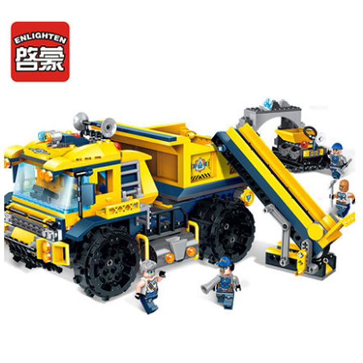 Lắp ráp chiếc xe xây dựng Titan - enlighten 2411