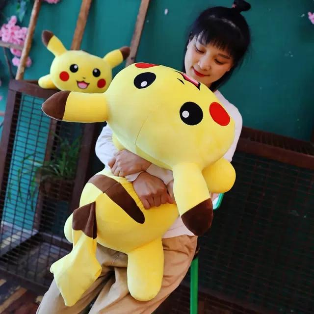 Gối ôm Pikachu nằm - size 45cm