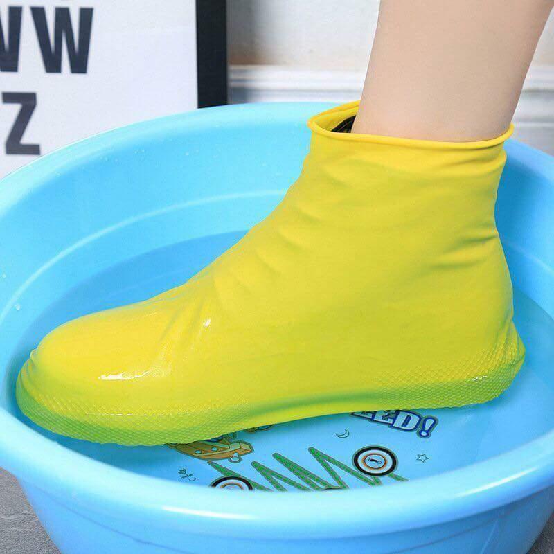 Ủng đi mưa bảo vệ chân