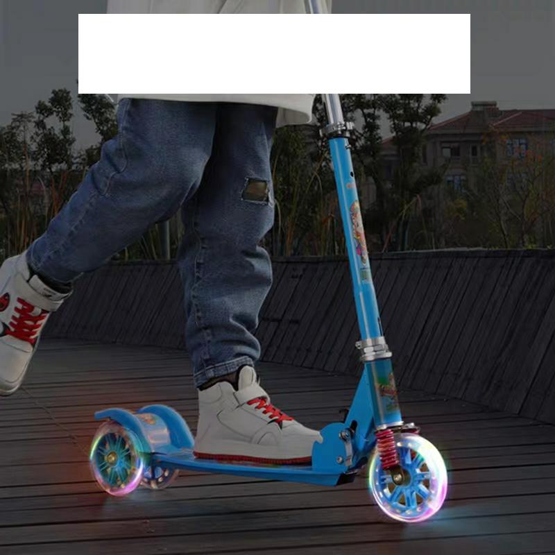 Xe trượt Scooter ba bánh hình ảnh siêu anh hùng