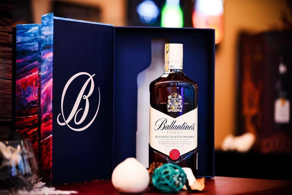 Whisky xứ Scotland - Ballantines Finest